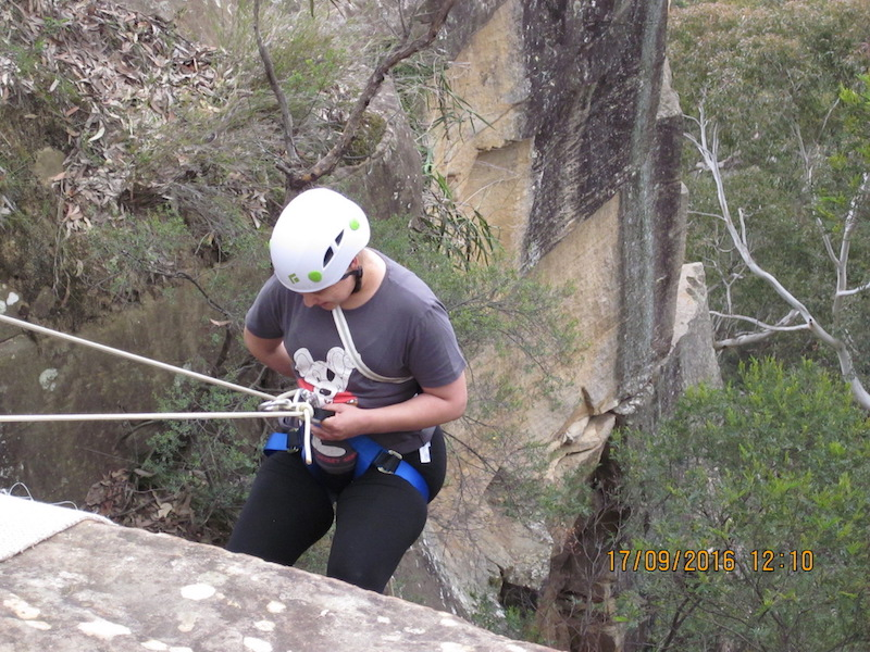 1-Blue-Mountains-Abseiling-Tour-Mt-Dans-Adventures